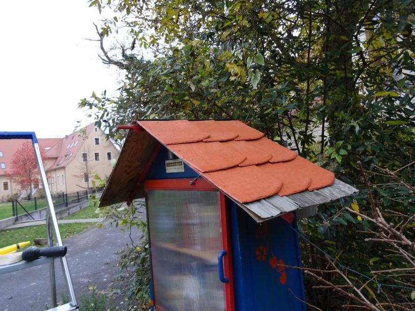 Ein neues Dach für die kleine Gutsbibliothek